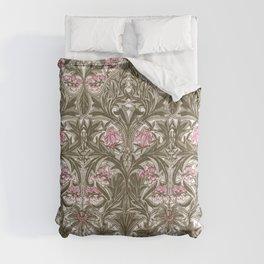 "William Morris ""Bluebell or Columbine"" Comforters"