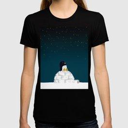 Star gazing - Penguin's dream of flying T-shirt
