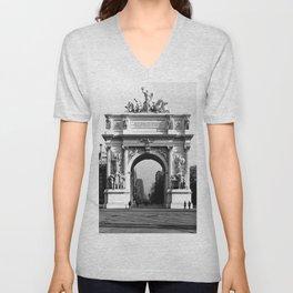 Dewey Arch, New York 1900 Unisex V-Neck