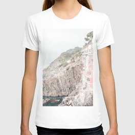 Positano, Italy Pink Travel Photography in hd T-shirt
