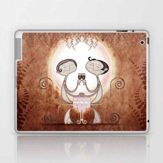 Cheers Laptop & iPad Skin