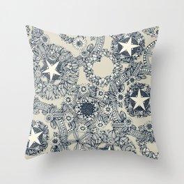 cirque fleur stone Throw Pillow