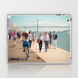 En balade Laptop & iPad Skin