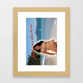 Carte Postale - J'ai fait caca dans la mer Framed Art Print