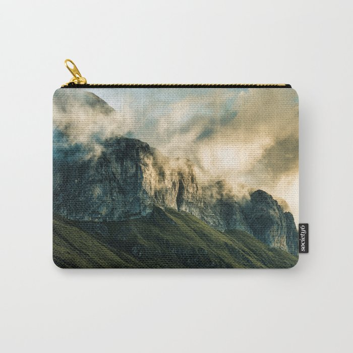 Wander III Carry-All Pouch