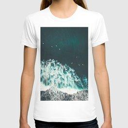WAVES - OCEAN - SEA - WATER - COAST - PHOTOGRAPHY T-shirt