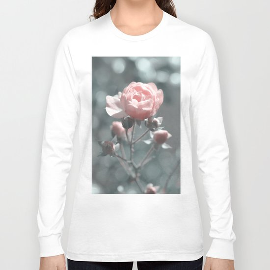 Romantic rose at Backlight- roses Long Sleeve T-shirt
