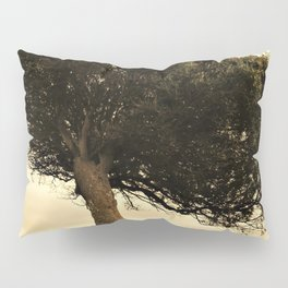 The tree and tue wall Pillow Sham