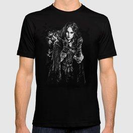 Yennefer of Vengerberg  T-shirt