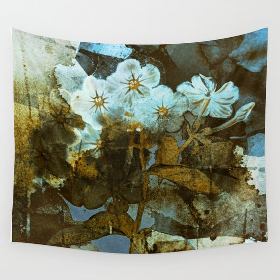 Fower in winter Wall Tapestry