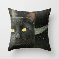 Revenant  Throw Pillow