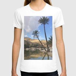 Wadi Bani Khalid Desert Oasis Palm Trees Photography Print Oman T-shirt