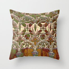 Batalha gothic tracery Throw Pillow