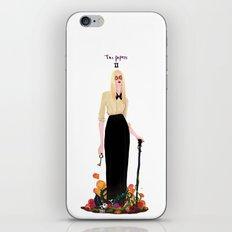 Cordélia iPhone & iPod Skin