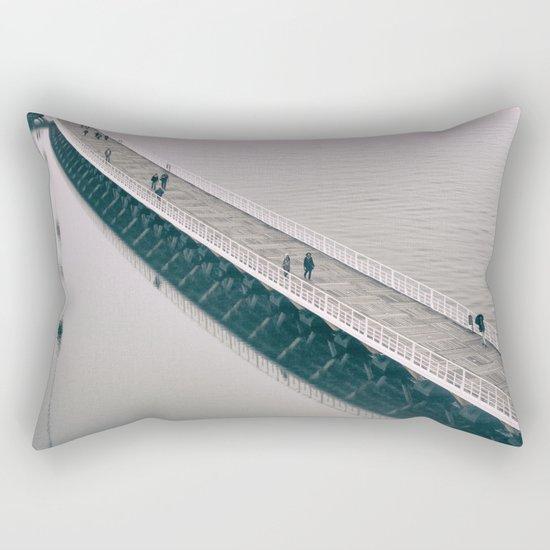 l'eau de la pluie Rectangular Pillow