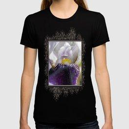 Miniature Tall Bearded Iris named Consummation T-shirt