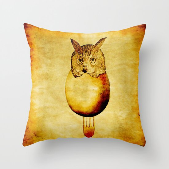 The hatching of owls Throw Pillow