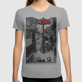 Paris Metro Kiss T-shirt