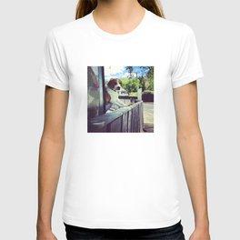 It's a Puppy Dog! T-shirt