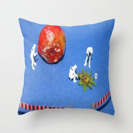 CSI: Strawberry Throw Pillow