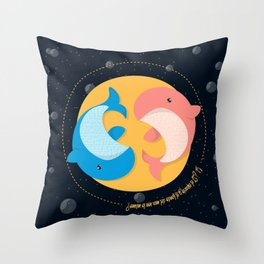 Ballena Espacial Throw Pillow
