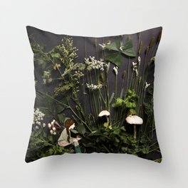 Bridie and the Robins in the Forest of Shamrocks Throw Pillow
