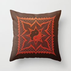daorashi woodcut mandala Throw Pillow