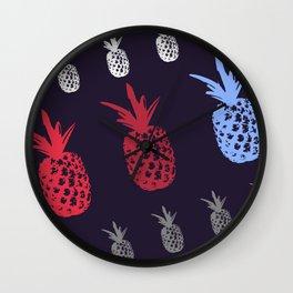 Ananás! Wall Clock