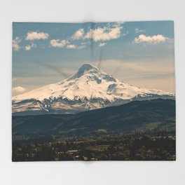Mountain Valley Pacific Northwest - Nature Photography Throw Blanket