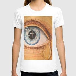 Reflection in Eye T-shirt