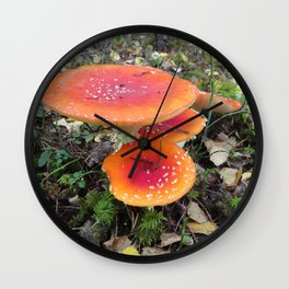 Orange rules here! Wall Clock
