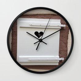 Jolie fenetre Wall Clock