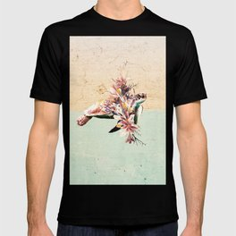 Turtle and bouquet T-shirt