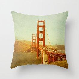 Golden Gate Bridge / San Francisco, California Throw Pillow