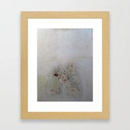 Laura es Framed Art Print