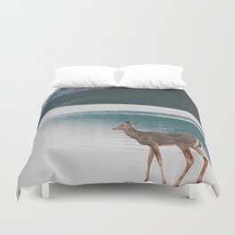 Bowman Lake Visitor Duvet Cover