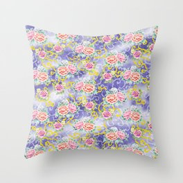Japanese floral pattern Throw Pillow