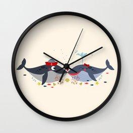 Baleines amoureuses Wall Clock
