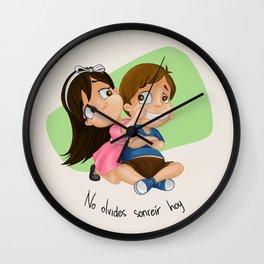 No Olvides Sonreír Wall Clock