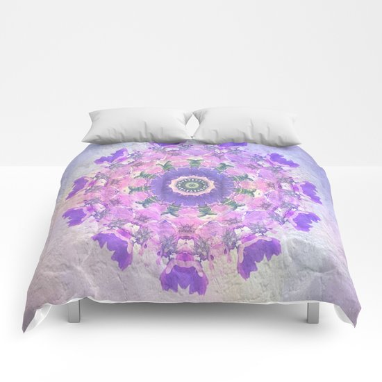 Circle of Flowers Comforters