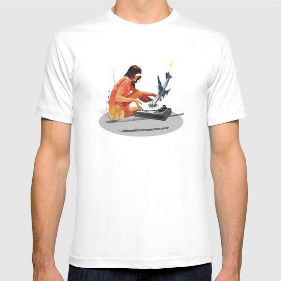 Blind, deaf too | Collage T-shirt