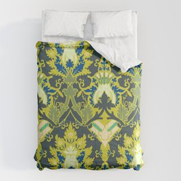 Gothic flowers pattern Comforters