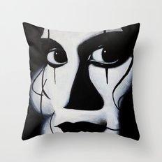 THE CROW CLOSE-UP Throw Pillow