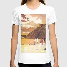 Mayan ruins at Chichen Itza, in the Yucatan Peninsula- Mexico. T-shirt