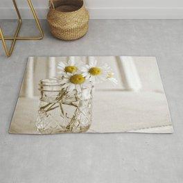 Simple White Daisy Flowers Rug
