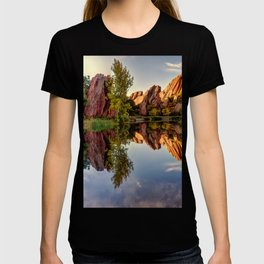 Red Rocks Reflection T-shirt