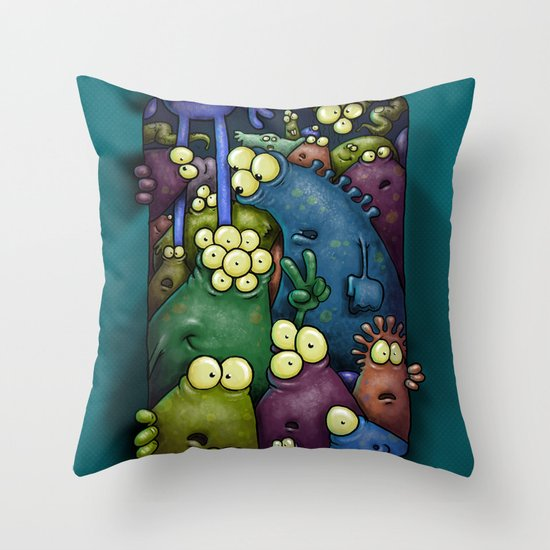 Crowded Aliens Throw Pillow