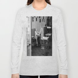 Don't look... Long Sleeve T-shirt