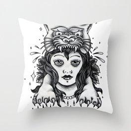 Chica tigre Throw Pillow