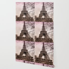 Pink sunset at the Eiffel tower in Paris Wallpaper